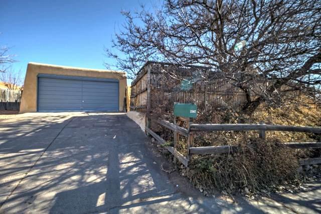 2367 Avenida De Las Campanas, Santa Fe, NM 87507 (MLS #202100188) :: The Very Best of Santa Fe