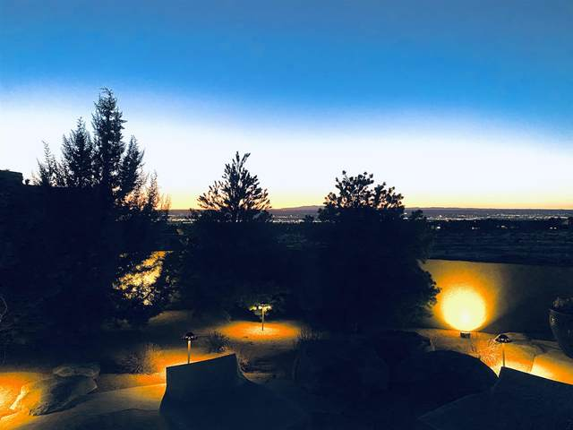 13405 La Arista Place Ne, Albuquerque, NM 87111 (MLS #202100314) :: Neil Lyon Group | Sotheby's International Realty