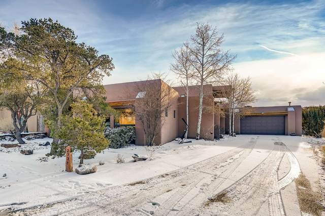 2721 Pradera Ct, Santa Fe, NM 87505 (MLS #202100384) :: Stephanie Hamilton Real Estate