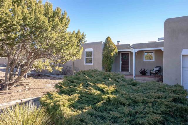 2592 Calle Delfino, Santa Fe, NM 87505 (MLS #202100504) :: Stephanie Hamilton Real Estate