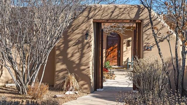 22 Sierra Rosa Loop, Santa Fe, NM 87506 (MLS #202100564) :: The Very Best of Santa Fe