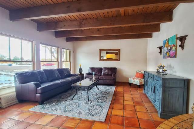 2423 Camino De Vida, Santa Fe, NM 87505 (MLS #202100588) :: Neil Lyon Group | Sotheby's International Realty