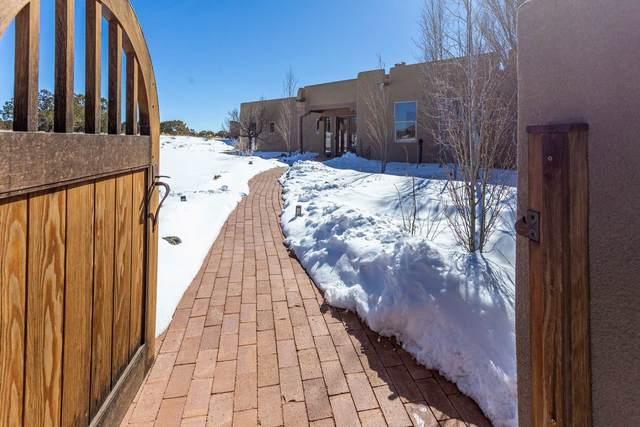 25 Alcalde, Santa Fe, NM 87508 (MLS #202100606) :: Neil Lyon Group | Sotheby's International Realty