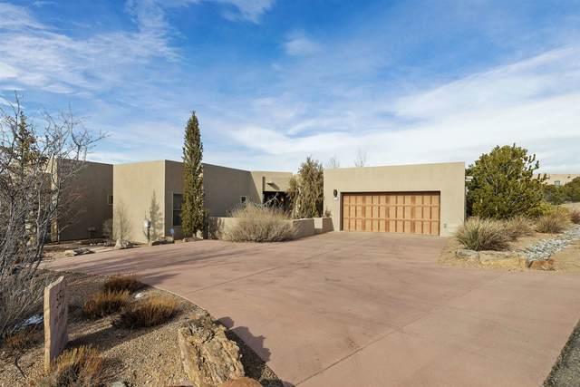 554 Via Arista, Santa Fe, NM 87506 (MLS #202100620) :: The Very Best of Santa Fe