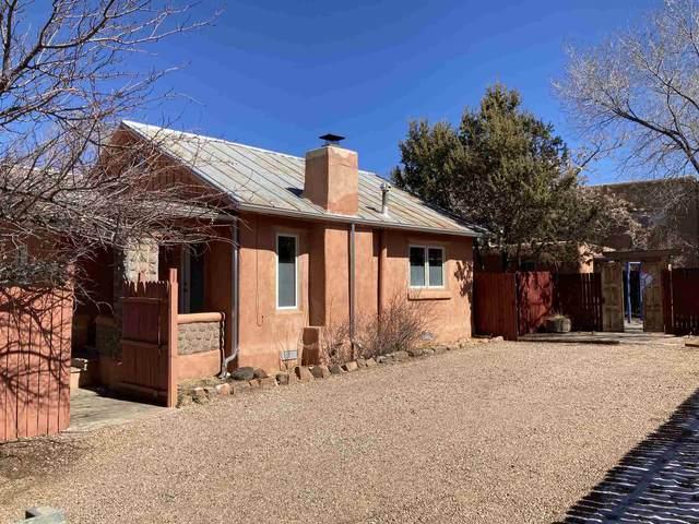 235 Irvine Street, Santa Fe, NM 87501 (MLS #202100757) :: Summit Group Real Estate Professionals