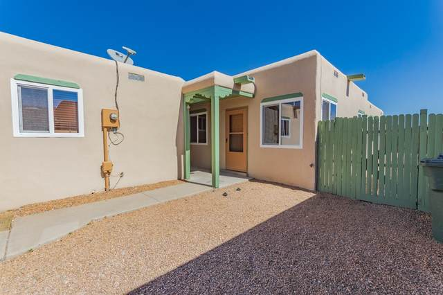 1233 Senda Lane, Santa Fe, NM 87507 (MLS #202100775) :: Stephanie Hamilton Real Estate