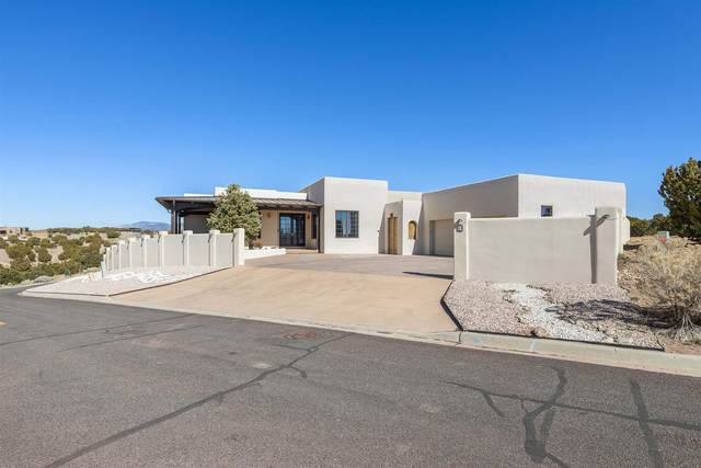 62 E Via Plaza Nueva, Santa Fe, NM 87507 (MLS #202100791) :: Neil Lyon Group | Sotheby's International Realty