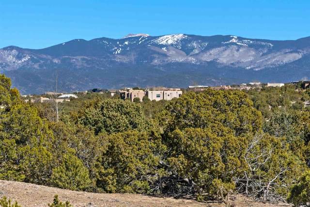 6 Sierra Court, Santa Fe, NM 87506 (MLS #202100835) :: Neil Lyon Group | Sotheby's International Realty