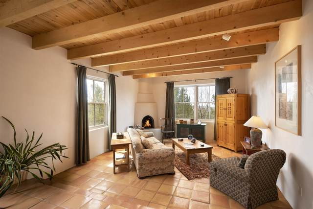 1331 Seville Rd, Santa Fe, NM 87505 (MLS #202100928) :: Stephanie Hamilton Real Estate