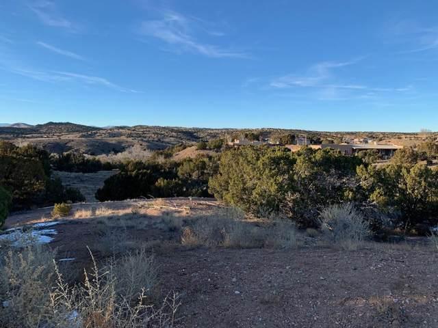 7 Vista Lagunitas, Santa Fe, NM 87507 (MLS #202100939) :: Berkshire Hathaway HomeServices Santa Fe Real Estate