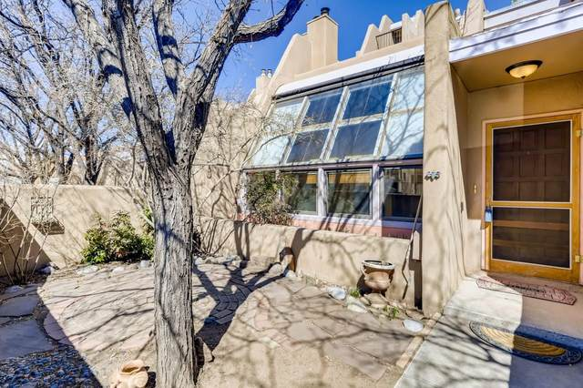 814 Camino De Monte Rey, Unit 108, Santa Fe, NM 87505 (MLS #202100966) :: Berkshire Hathaway HomeServices Santa Fe Real Estate