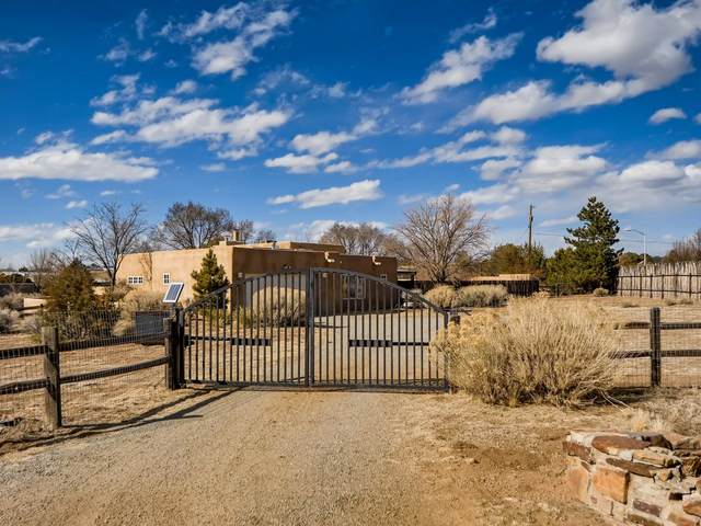 601 Cielo Grande, Santa Fe, NM 87505 (MLS #202101008) :: Stephanie Hamilton Real Estate