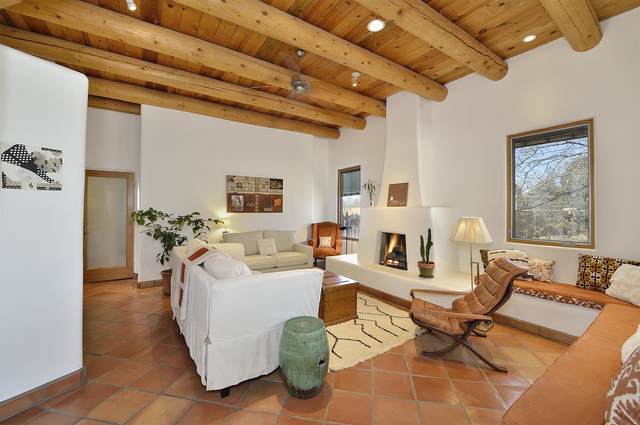 215 W Alicante Rd, Santa Fe, NM 87505 (MLS #202101057) :: The Very Best of Santa Fe