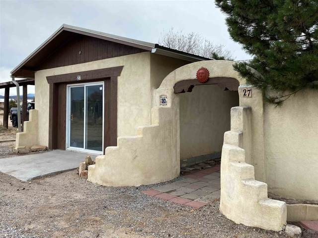 27 Us68, 1056 Road, House 27, Alcalde, NM 87511 (MLS #202101070) :: Summit Group Real Estate Professionals