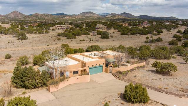 74 Moya Road, Santa Fe, NM 87508 (MLS #202101100) :: Stephanie Hamilton Real Estate