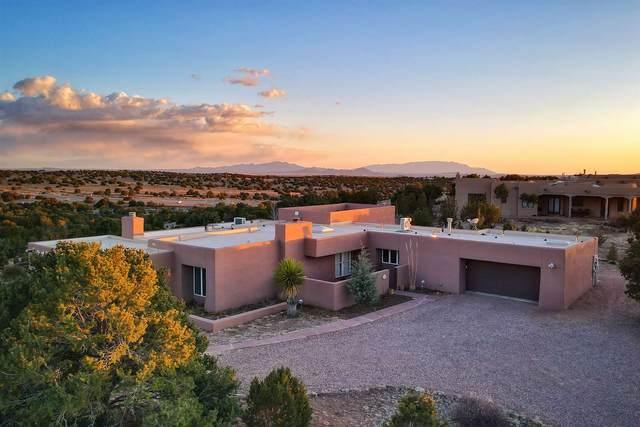 2 Thistle Lane, Santa Fe, NM 87506 (MLS #202101142) :: Stephanie Hamilton Real Estate
