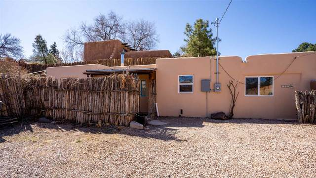 116 1/2 W Buena Vista St., Santa Fe, NM 87505 (MLS #202101174) :: Stephanie Hamilton Real Estate