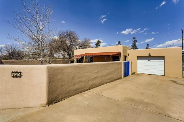 623 Calle Grillo, Santa Fe, NM 87505 (MLS #202101177) :: Stephanie Hamilton Real Estate