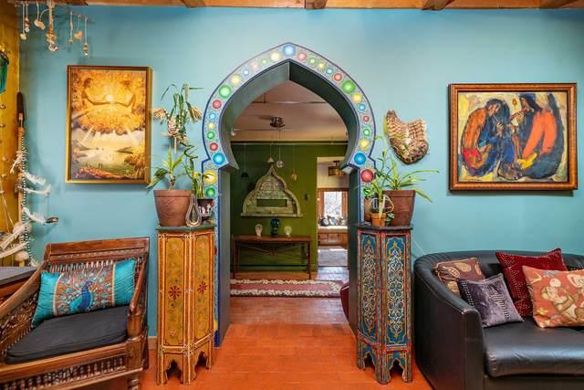 28 Village Lane, Santa Fe, NM 87505 (MLS #202101180) :: Neil Lyon Group | Sotheby's International Realty