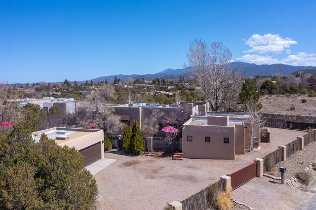 499 Camino Pinones, Santa Fe, NM 87505 (MLS #202101214) :: Stephanie Hamilton Real Estate