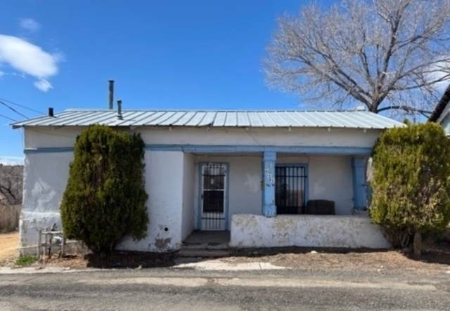 611 Mora Street, Las Vegas, NM 87701 (MLS #202101217) :: Stephanie Hamilton Real Estate