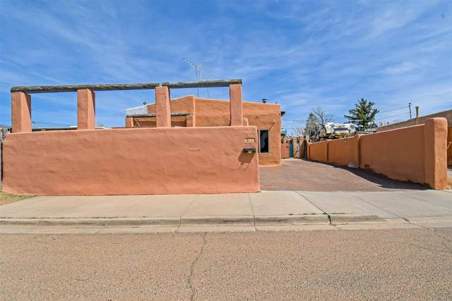 705 Kathryn, Santa Fe, NM 87505 (MLS #202101251) :: The Very Best of Santa Fe