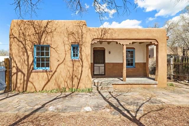 211 E Houghton Street, Santa Fe, NM 87505 (MLS #202101309) :: Neil Lyon Group   Sotheby's International Realty