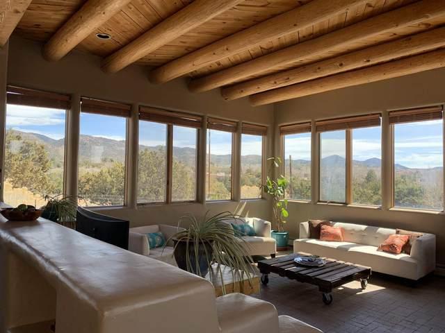 117 Chamiso Lane, Santa Fe, NM 87505 (MLS #202101317) :: Stephanie Hamilton Real Estate