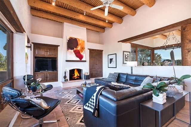 15 East Golden Eagle, Santa Fe, NM 87506 (MLS #202101330) :: Summit Group Real Estate Professionals