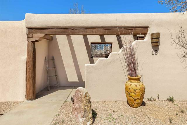 15 Arroyo Privado, Santa Fe, NM 87507 (MLS #202101348) :: Stephanie Hamilton Real Estate