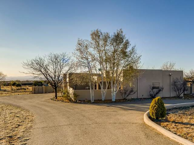 18 Descanso Road, Santa Fe, NM 87508 (MLS #202101383) :: The Very Best of Santa Fe
