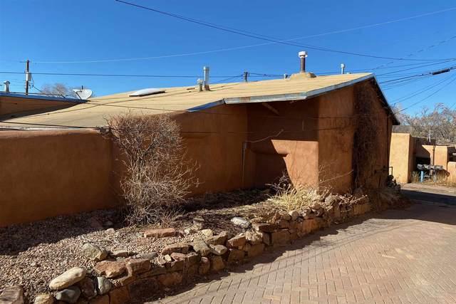 526 Alto Street, Santa Fe, NM 87501 (MLS #202101386) :: The Very Best of Santa Fe