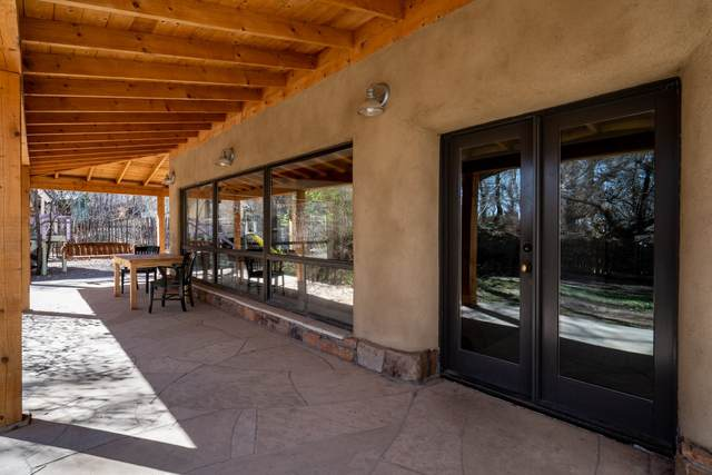 262 Los Pinos B, Santa Fe, NM 87507 (MLS #202101394) :: The Very Best of Santa Fe