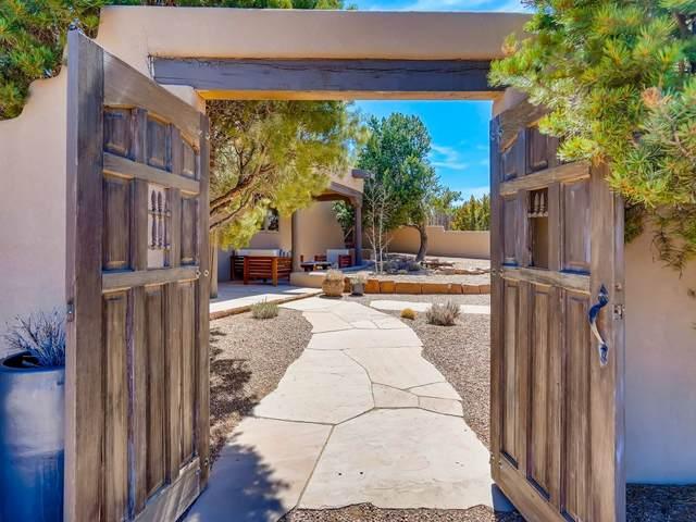 96 Sierra Azul, Santa Fe, NM 87507 (MLS #202101407) :: Stephanie Hamilton Real Estate