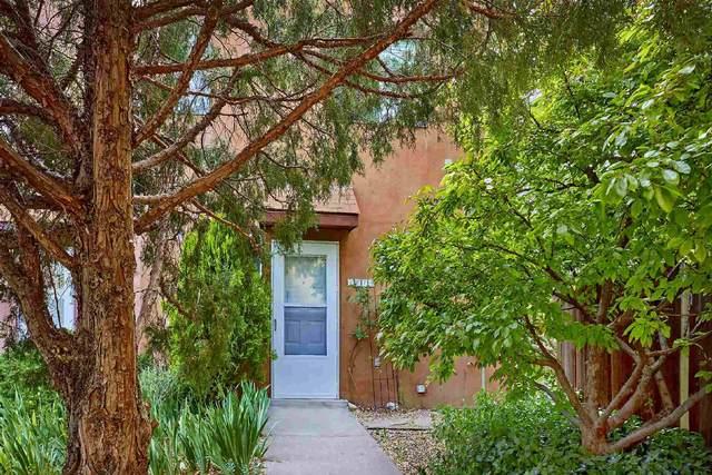 1674 Calle De Oriente Norte, Santa Fe, NM 87507 (MLS #202101430) :: Stephanie Hamilton Real Estate