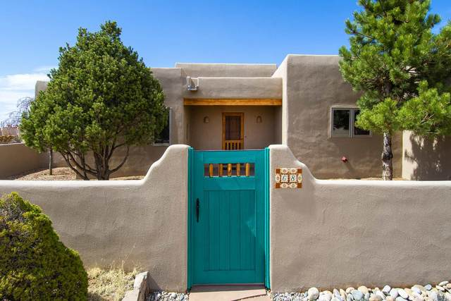 68 Herrada, Santa Fe, NM 87508 (MLS #202101444) :: Stephanie Hamilton Real Estate