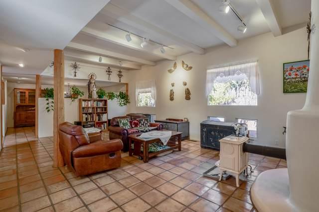 1026 Calle Largo, Santa Fe, NM 87501 (MLS #202101472) :: The Very Best of Santa Fe