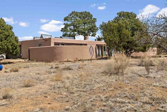 1 Vista Grande Drive, Santa Fe, NM 87508 (MLS #202101480) :: The Very Best of Santa Fe