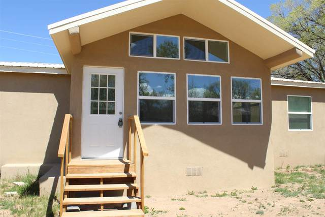 56 County Rd 84, Santa Fe, NM 87506 (MLS #202101498) :: The Very Best of Santa Fe