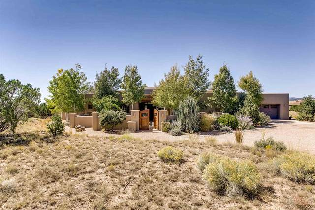 40 Entrada Descanso, Santa Fe, NM 87506 (MLS #202101559) :: Stephanie Hamilton Real Estate