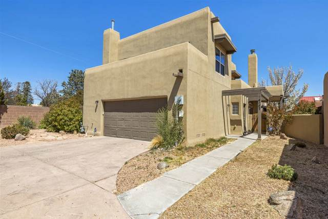 4247 Vuelta Colorada, Santa Fe, NM 87507 (MLS #202101661) :: The Very Best of Santa Fe