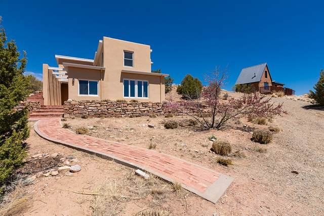 5 Russell Road, Santa Fe, NM 87508 (MLS #202101668) :: The Very Best of Santa Fe