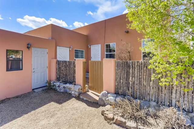 1108 Camino Sierra Vista, Santa Fe, NM 87505 (MLS #202101670) :: Neil Lyon Group | Sotheby's International Realty