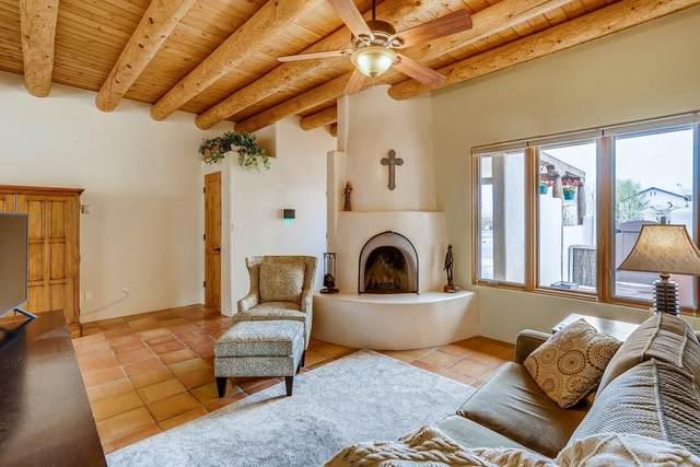 3154 La Paz, Santa Fe, NM 87507 (MLS #202101680) :: The Very Best of Santa Fe