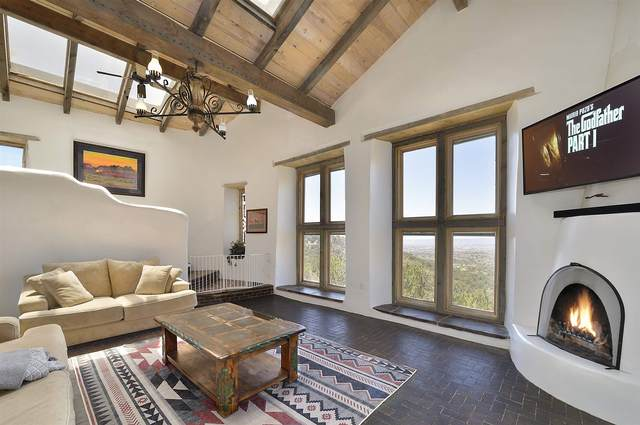 34 N Cloudstone Dr, Santa Fe, NM 87505 (MLS #202101741) :: The Very Best of Santa Fe