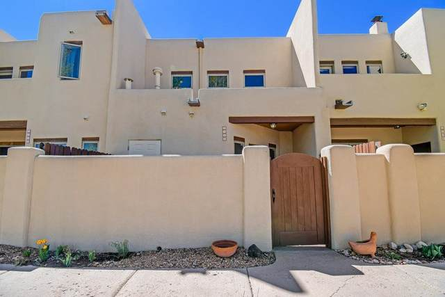 3138 La Paz, Santa Fe, NM 87507 (MLS #202101812) :: The Very Best of Santa Fe