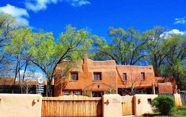 629 Webber St., Santa Fe, NM 87505 (MLS #202101829) :: Summit Group Real Estate Professionals