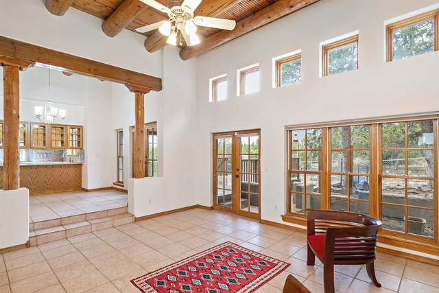 45 Camino Nevoso, Santa Fe, NM 87505 (MLS #202101837) :: Summit Group Real Estate Professionals