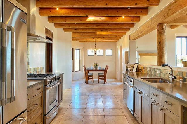 35 Saddleback Mesa, Santa Fe, NM 87508 (MLS #202101868) :: Stephanie Hamilton Real Estate