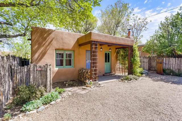 803 B Acequia Madre, Santa Fe, NM 87501 (MLS #202101906) :: Stephanie Hamilton Real Estate